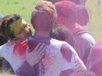 Don't hug, say namaste during Holi amid H1N1