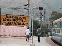 Visakhapatnam railway station cleanest, Darbhanga dirtiest: Survey