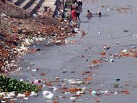 Debris chokes river Cooum as officials turn a blind eye