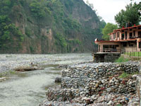 After NGT cracks whip, Nainital dist admin issues closure notices to resorts near Kosi river