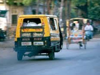 Soot-spewing share autos a major air pollutant